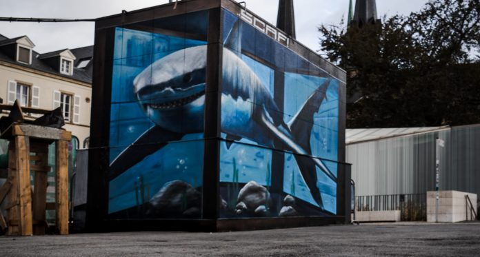 A virtual shark tank: just one example of stunning 3D outdoor ads