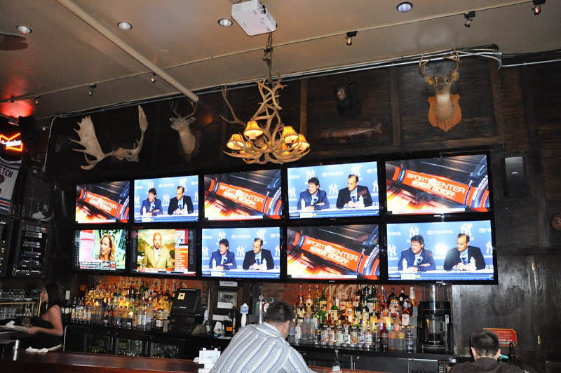 Digital Signage Benefit in Sports Bars