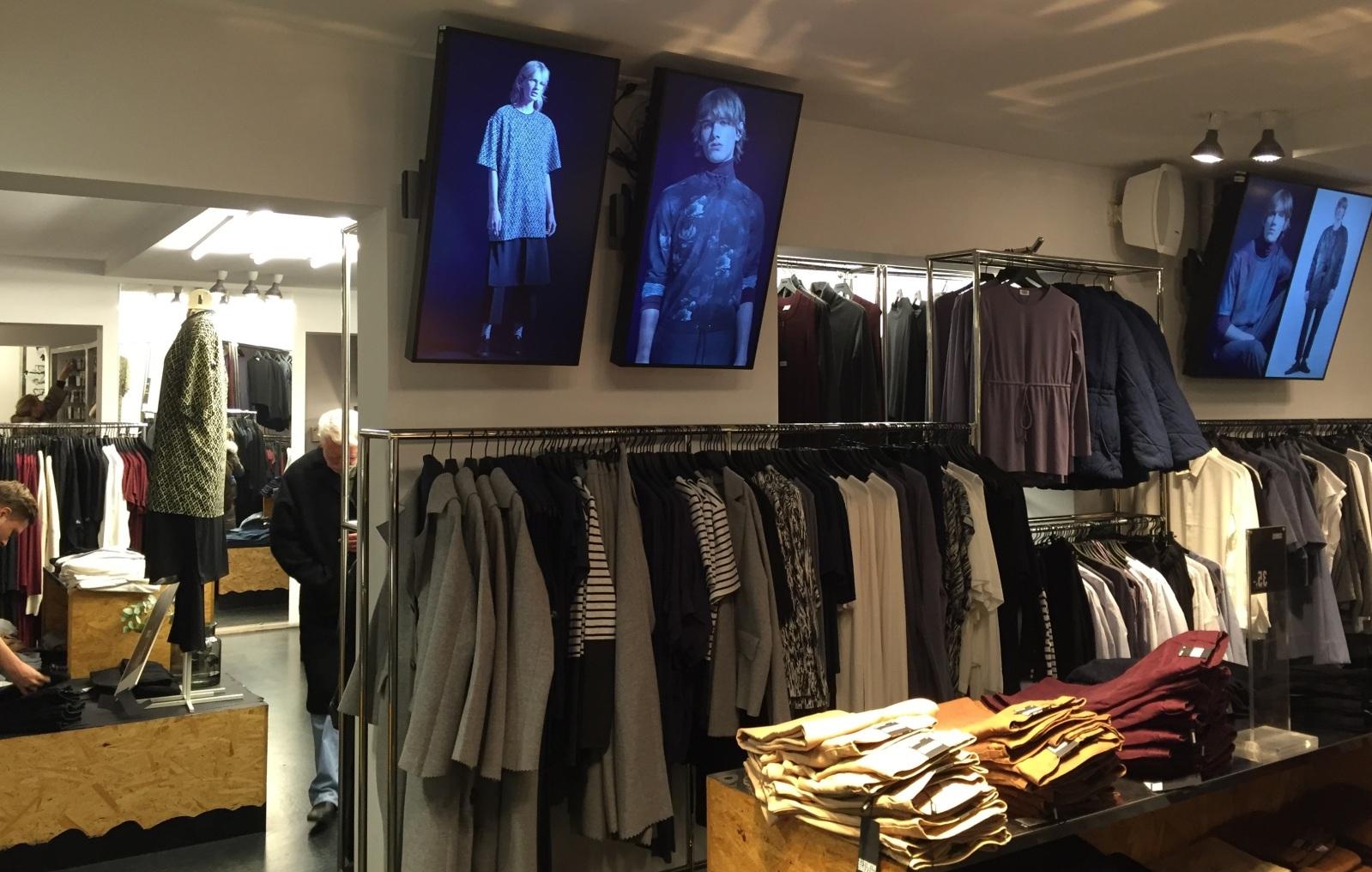 fashion digital signage in store