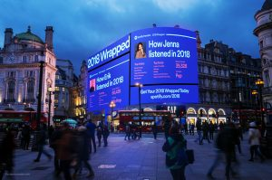 Social media and outdoor advertising go hand in hand!
