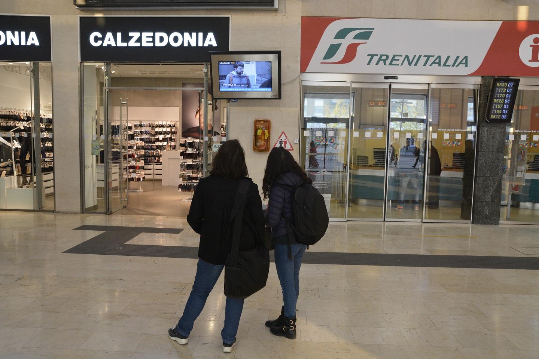 Digital display use in public setting