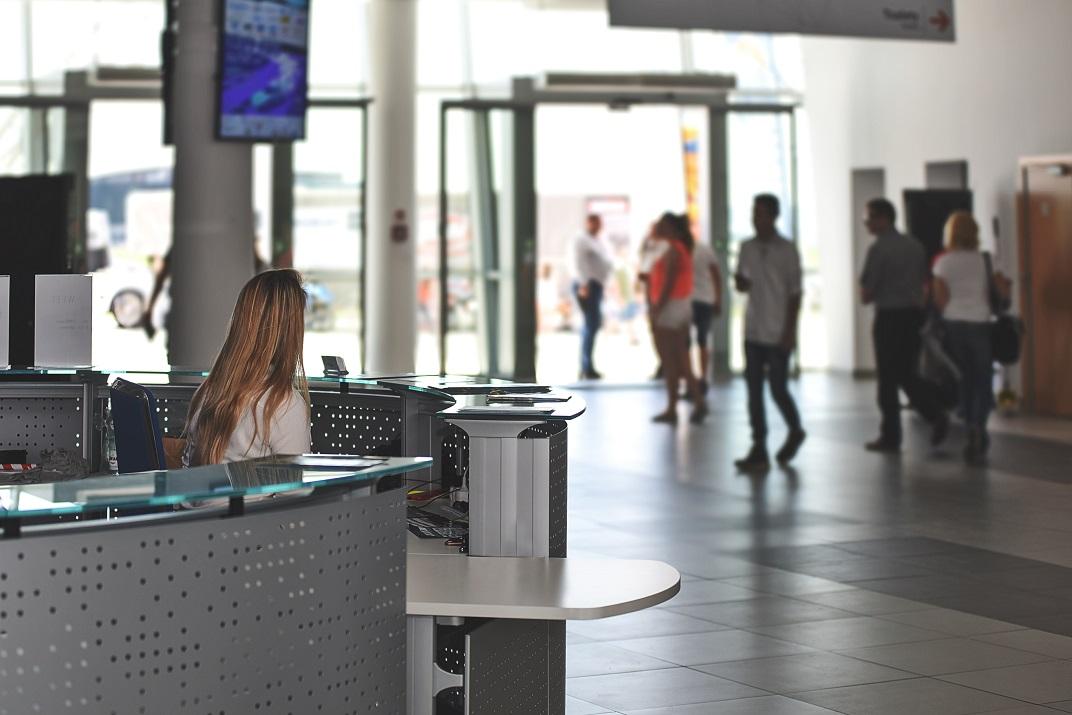 Airport digital signage : News