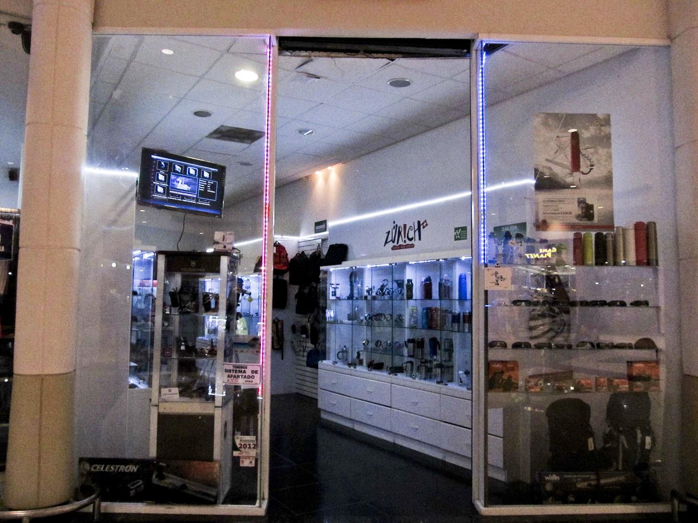 Small business digital signage - Shop